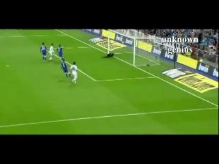 Messi needs Xavi & Iniesta to score ?